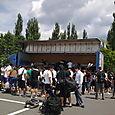 Camion qui transportait les armures de tous les étudiants de Tokyo au lieu du stage.